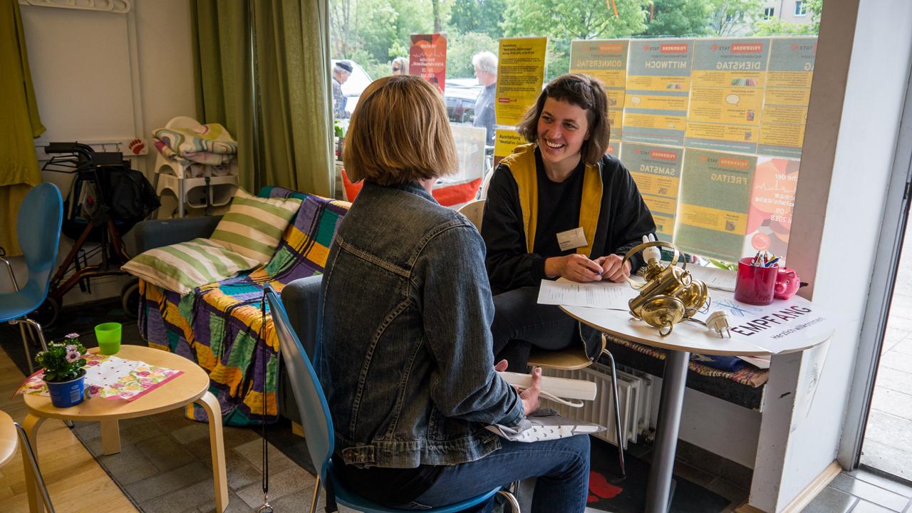 Nahmaschinen Fahrrader Und Kuchen Reparatur Cafe Im