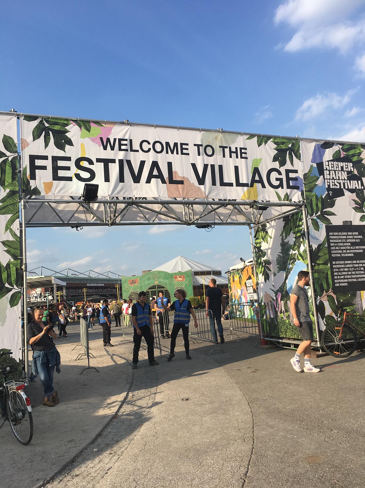 Feierwerk_Blog_Kultur_Reeperbahn_Festival_Festival_Village