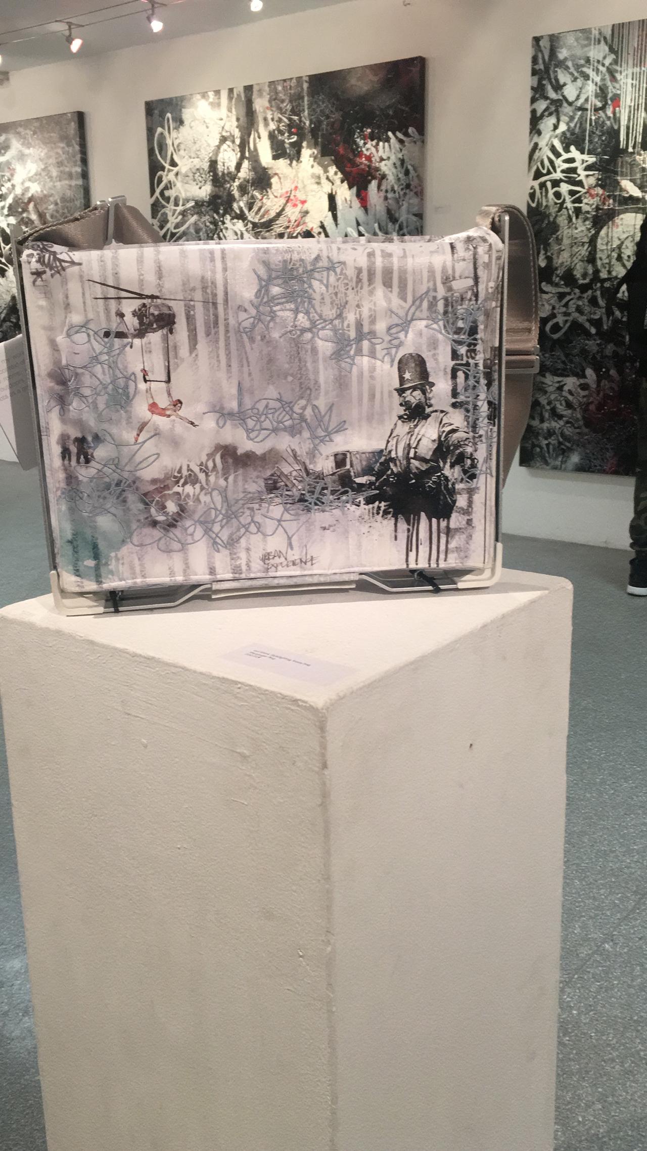 Feierwerk_Blog_Kunst_Farbenladen_Ghost_Signatures_Tasche_Hoch