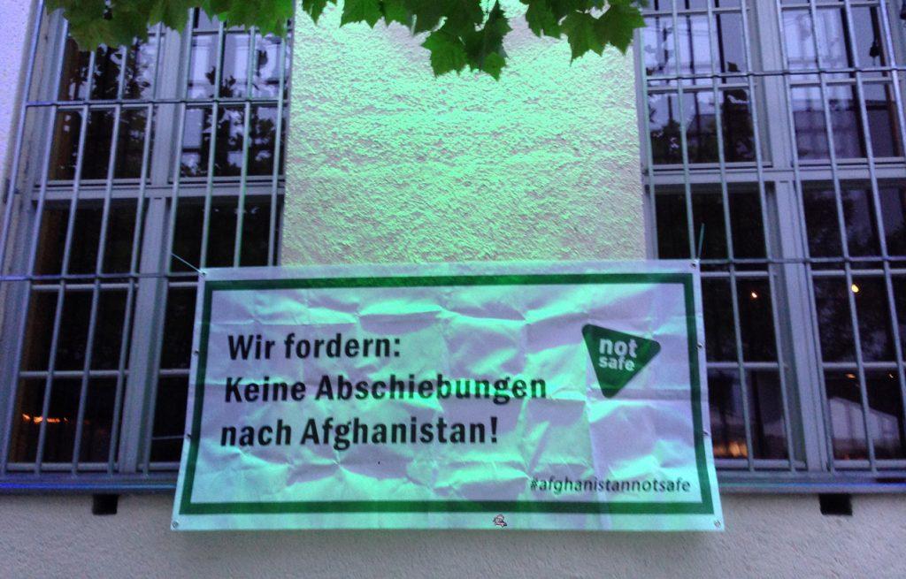 Feierwerk_Rage_Against_Abschiebung_Idomeni_Flüchtlingslager (8)