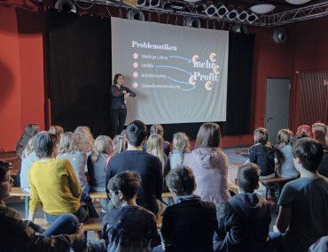 Feierwerk_Blog_Südpolstation_Schulklassenprojekt_Leute_machen_Kleider (13)
