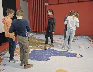 Feierwerk_Blog_Südpolstation_Schulklassenprojekt_Leute_machen_Kleider (8)