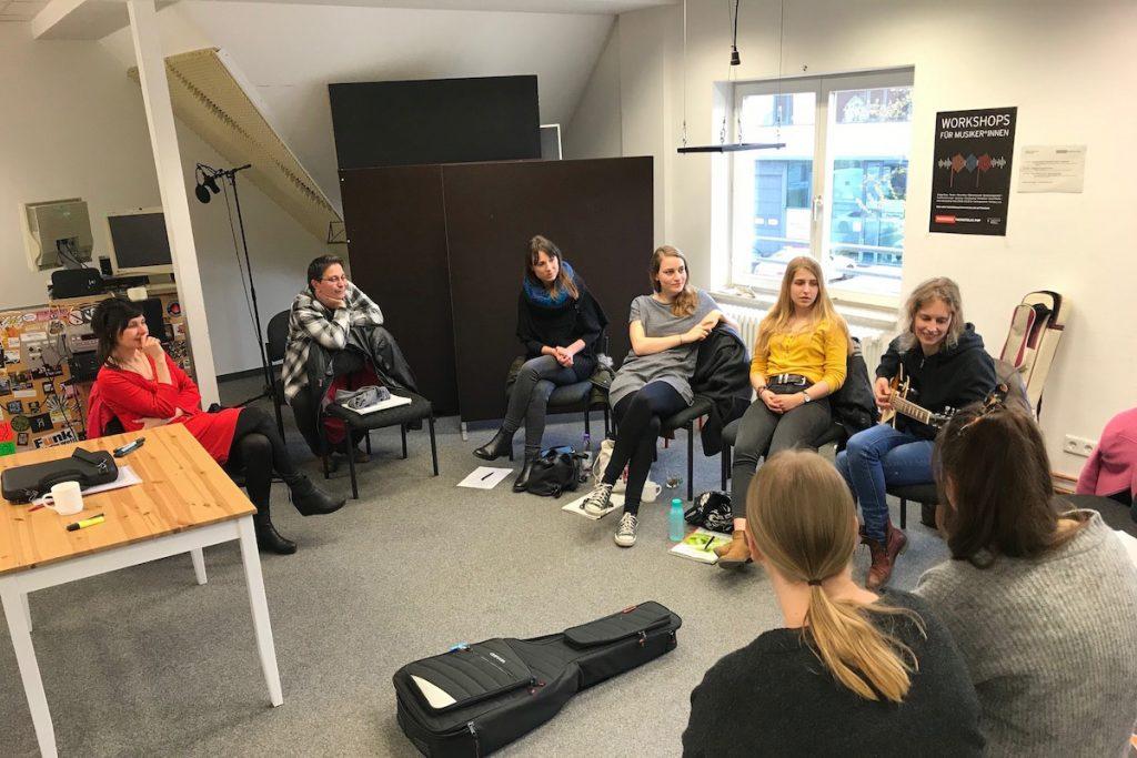 Feierwerk_Fachstelle_Pop_Workshop_Frauen_Musikbusiness (7)