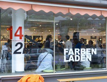 20190606_Feierwerk_Farbenladen_Ausstellung_Kunst_Fotografinnen_Vernissage 14x2m_copyright_Christin_Büttner (26)