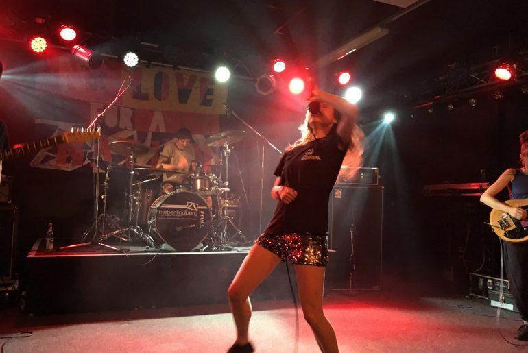 Feierwerk_Rage_Against_Abschiebung_Konzert_Benefiz_München_Petrol Girls_2