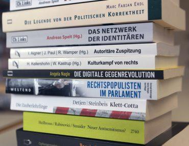 Feierwerk_Blog_Firm_Fachinformationsstelle_Rechtsextremismus_Bibliothek (4)