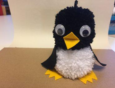 Feierwerk_Blog_Dschungelpalast_Pompon_basteln_Pinguin_Schritt 8 (2)