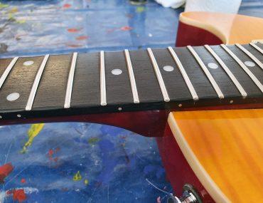 Feierwerk_Blog_Trafixx_(E-)Gitarre_Griffbrettpflege_(c)Jakob_Steenbock_nachher_abb5
