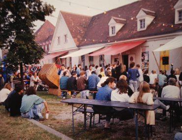 Feierwerk_Blog_Historie_fest-publikum-außenbühne_credits_Feierwerk