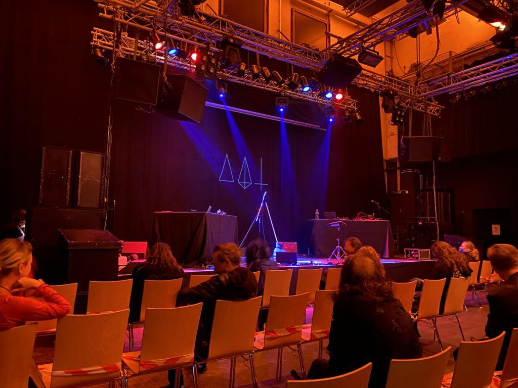 Feierwerk_Blog_Katzenclub_Konzert_München_Kranhalle_Rue_Oberkampf_credits_Jennifer_Duermeier (4)