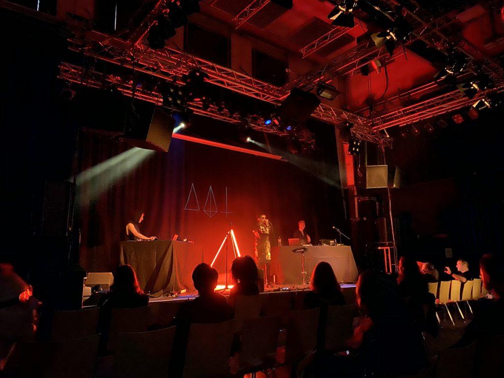 Feierwerk_Blog_Katzenclub_Konzert_München_Kranhalle_Rue_Oberkampf_credits_Jennifer_Duermeier (7)