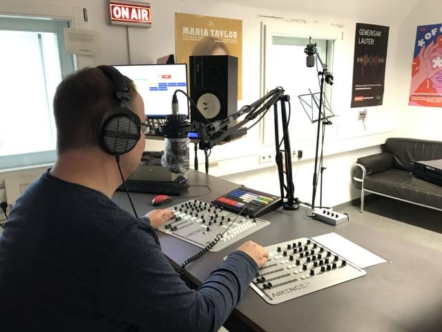 Feierwerk_Blog_Radio_Kurzwelle_Björn_Czieslik_Team_Feirwerk_Moderieren (8)