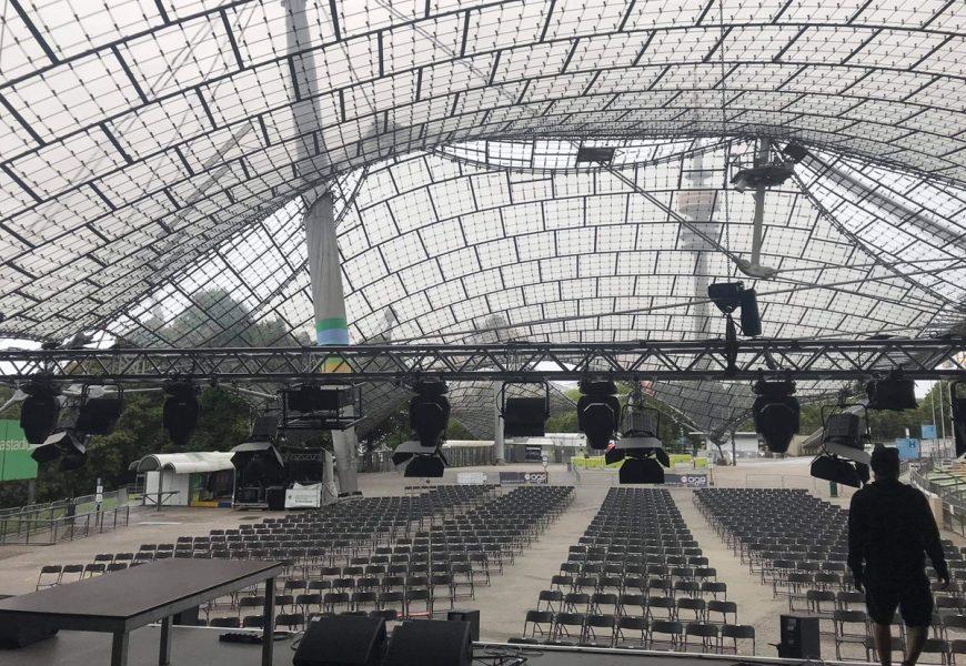 Feierwerk_Sommerbühne_Stadion_Olympiapark_Live_Konzerte_Corona_Blick von Bühne truss_credits_Matte_Vandeven