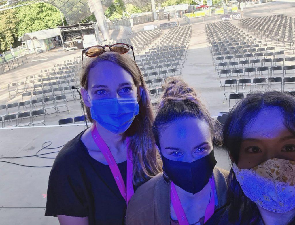 Feierwerk_Sommerbühne_Stadion_Olympiapark_Live_Konzerte_Corona_VA Team Selfie_credits_Natti_Sukkhiao