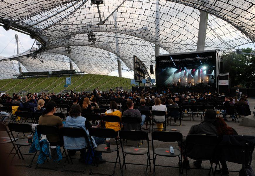 Feierwerk_auf_der_Sommerbühne_im_Stadion_22082020_Live_Konzerte_Corona_copyright_Teresa_Konrad (6)