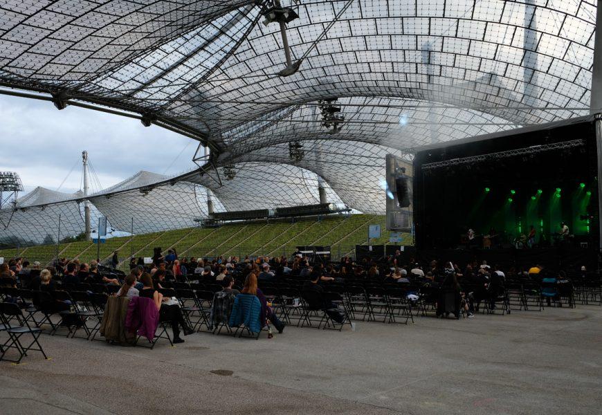 Feierwerk_auf_der_Sommerbühne_im_Stadion_22082020_Olympiapark_Live_Konzerte_Corona_copyright_Teresa_Konrad (1)