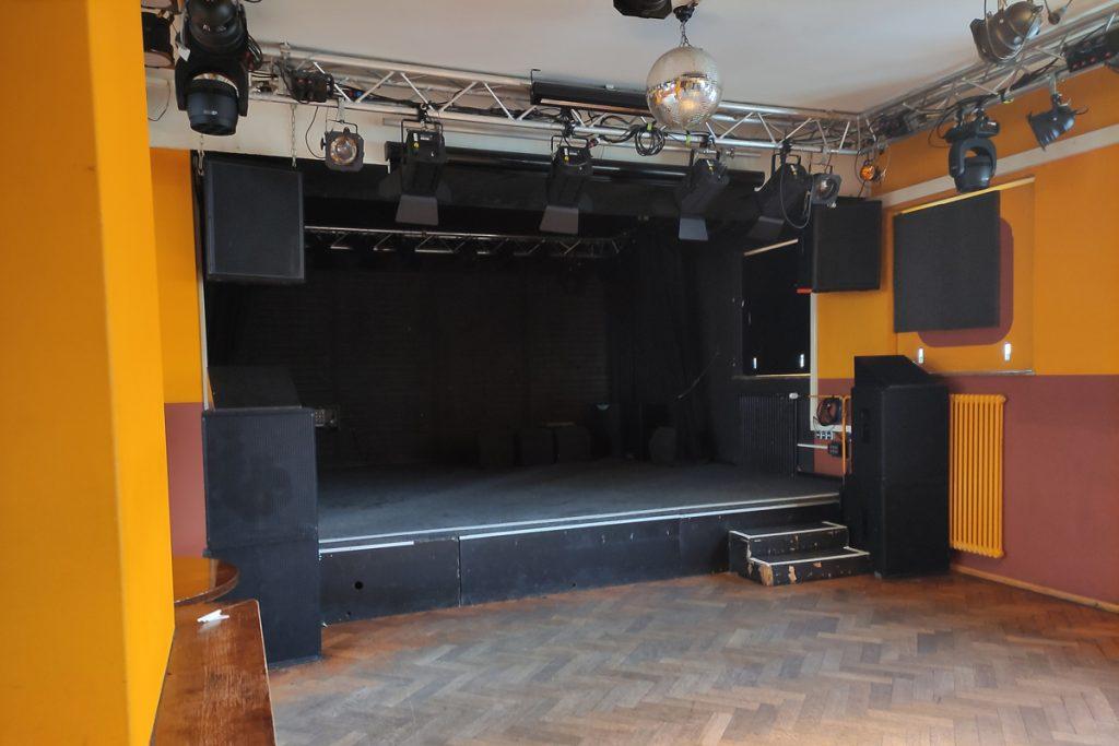 Feierwerk_Blog_Behind_the_Scenes_Orangehouse_Bühne