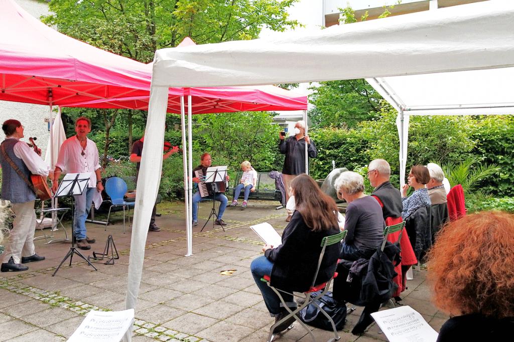 Feierwerk_Nachbarschaftstreff_Hofkonzert_Hamablky_Credits_Constanze